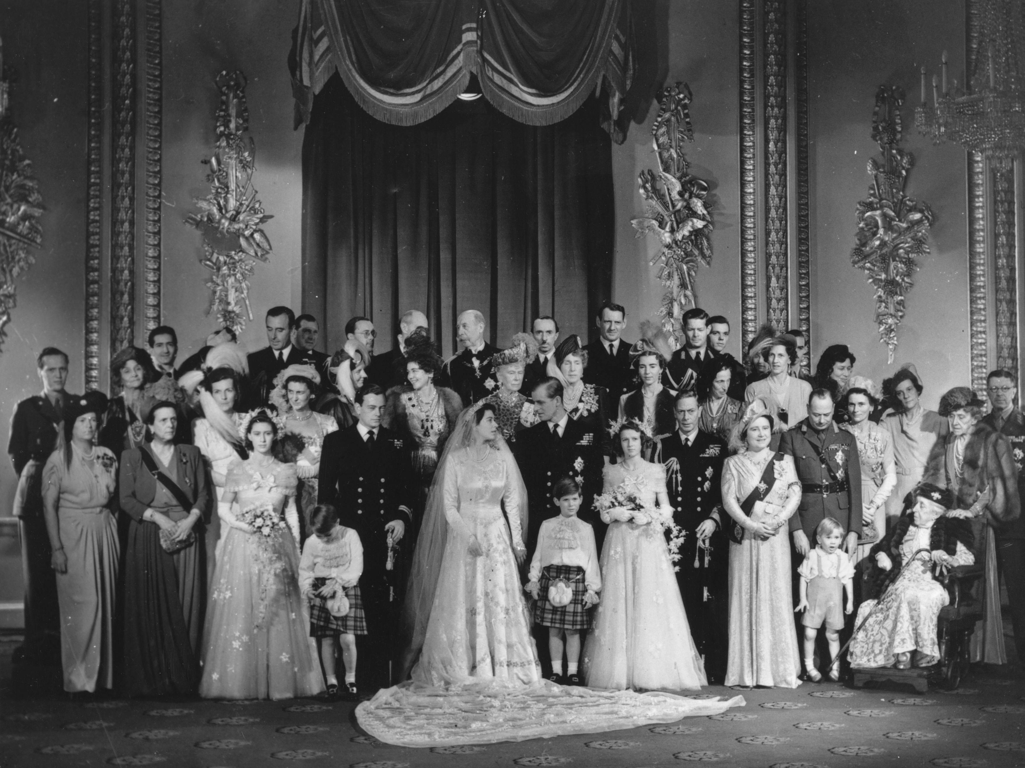 A Queen Elizabeth Wedding Theme Fantastical Wedding Stylings
