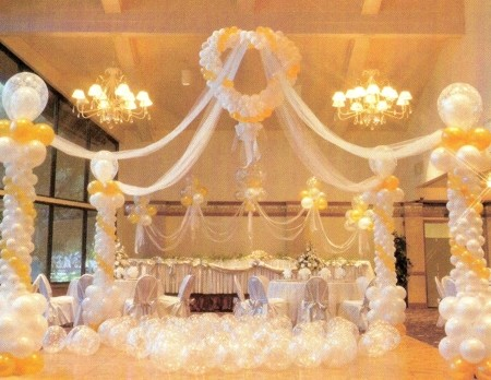 Full of hot hair balloon wedding inspiration for Balloon dance floor decoration
