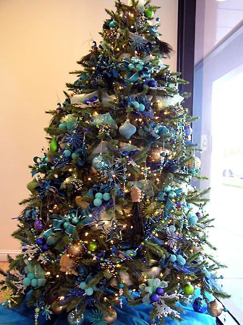 White christmas tree with blue and green decorations - photo#17