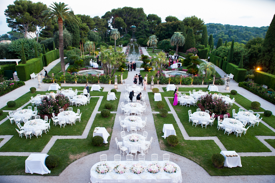 Wildcard wednesday love in the south of france for Wedding venues open late